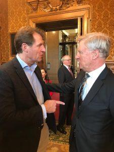Vorstandsmitglieder der Hamburger Stiftung für politisch Verfolgte: Ole von Beust und Hariolf Wenzler